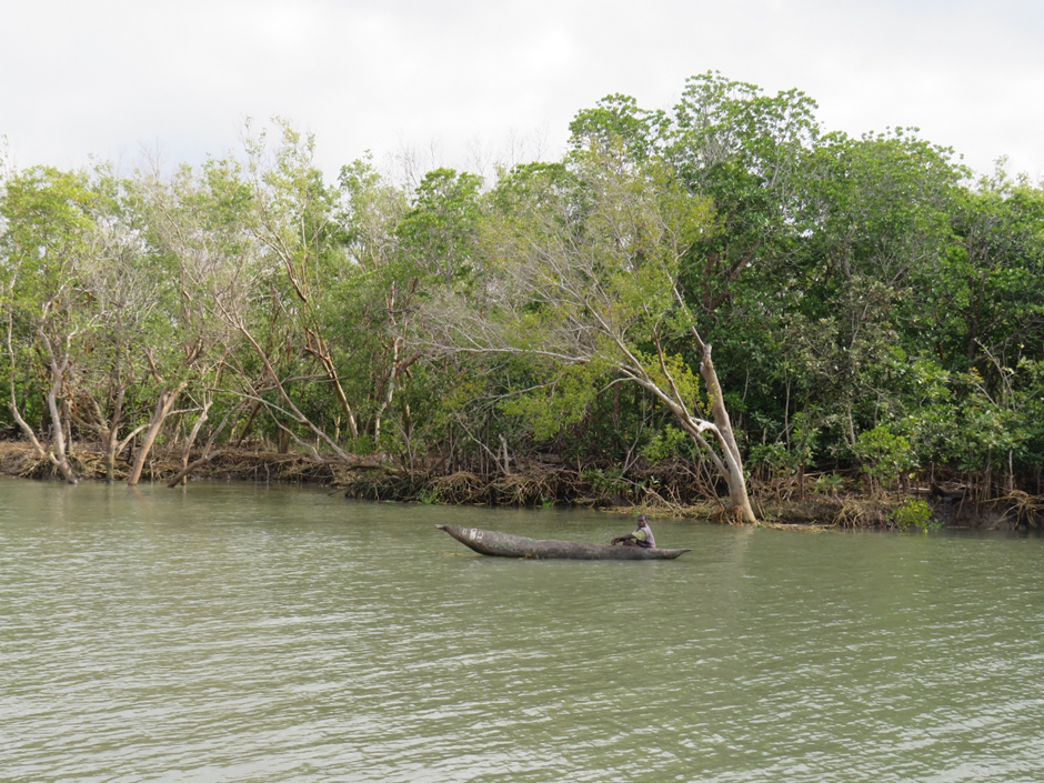 Local fisherman on the shore of Micaúne, Chinde August 2019