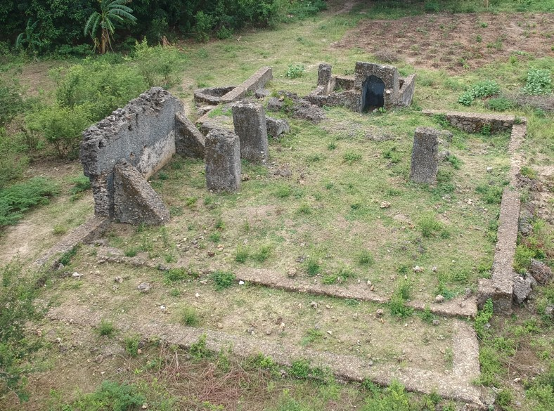 Drone image of the ruined 18th century mosque at Mandani (July 2019).